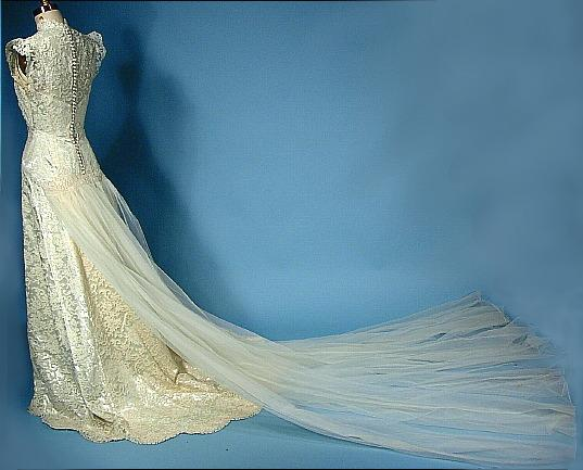 1940 s wedding dress with tulle train